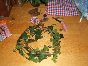 crafting ivy wreath
