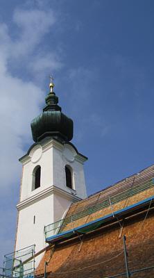 Kirche, blauer Himmel